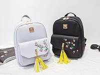 Молодежный городской рюкзак с кисточками и цветами для модных девушек. Хорошее качество. Доступно. Код: КГ1817