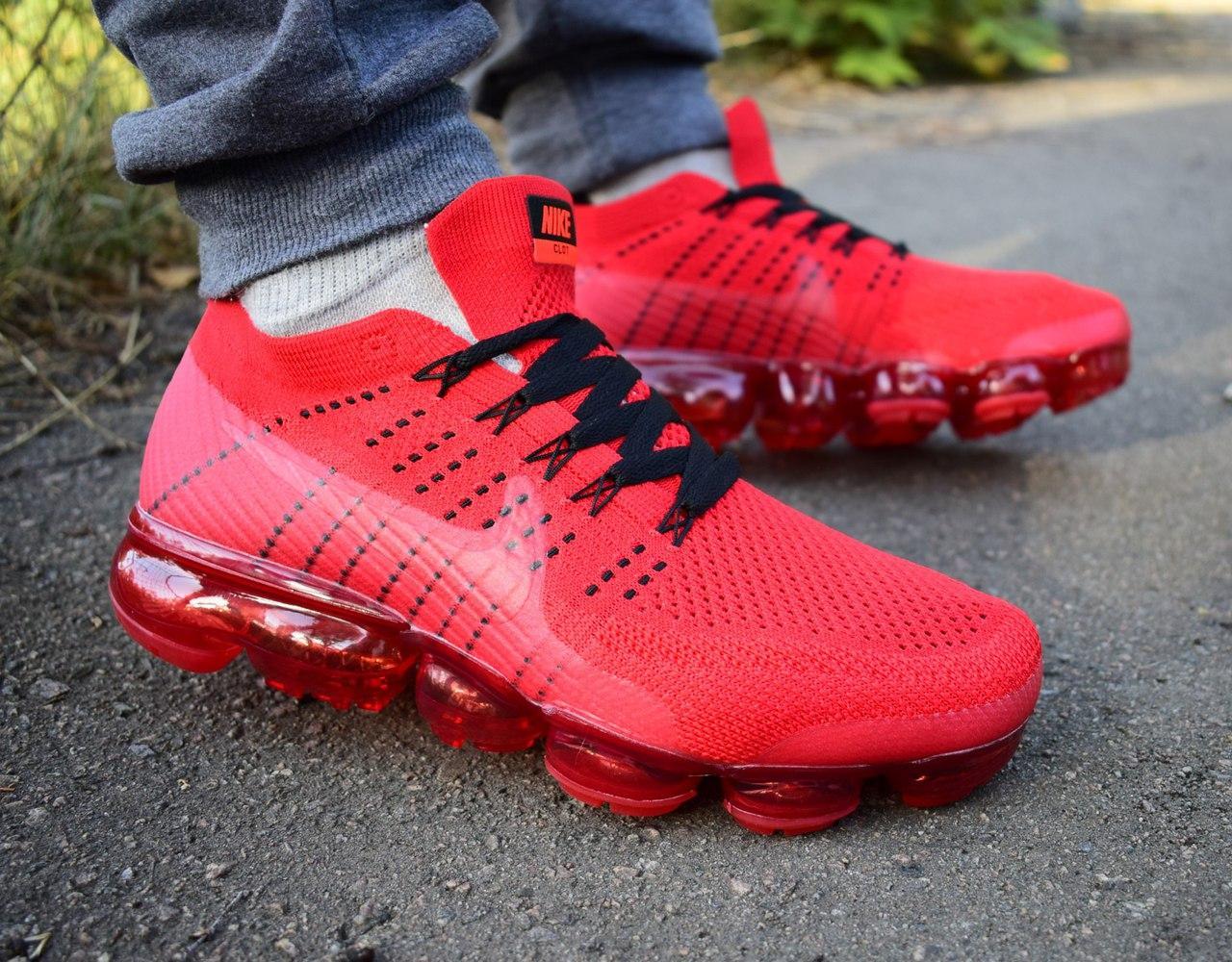 Кросівки Nike Air VaporMax червоні