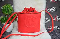 Красная сумочка в стиле Gucci гуччи на завязку.