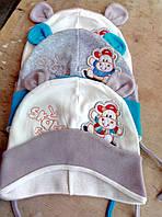 Детская тонкая яркая модная шапка с вышивкой