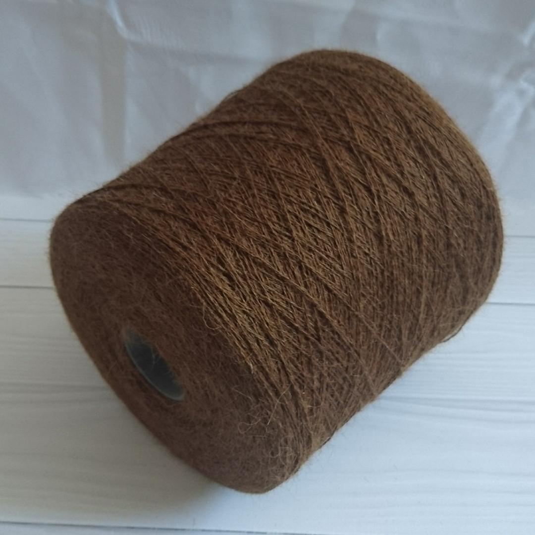 100% альпака беби сури, 800 м в 100 г. Цвет коричневый,  тёмный грецкий орех