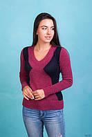 Пурпурный женский свитер с темно-синими вставками