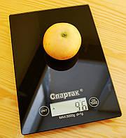 Компактні електронні кухонні ваги Спартак до 5 кг з сенсорною панеллю