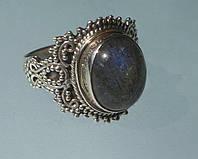 Кольцо с натуральным лабрадоритом. Размер 17.35