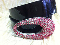 Ремень с овальной пряжкой в розовых камнях