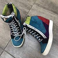 Спортивные цветные ботинки от Stoalos