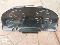Б/у панель приборов/спидометр/тахограф/топограф для Audi 80