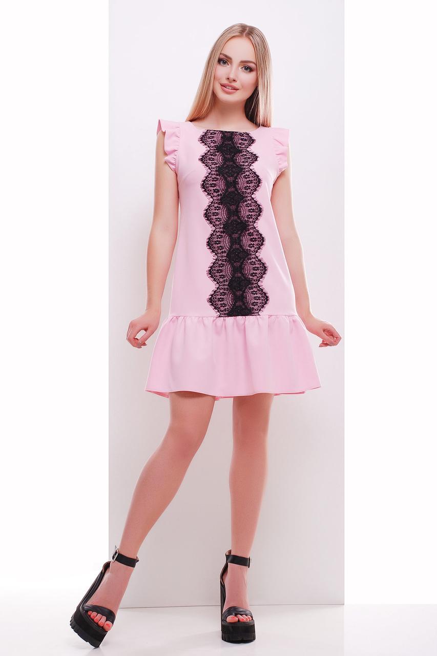 Красивое платье с гипюровой вставкой