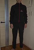 Спортивный костюм Reebok.