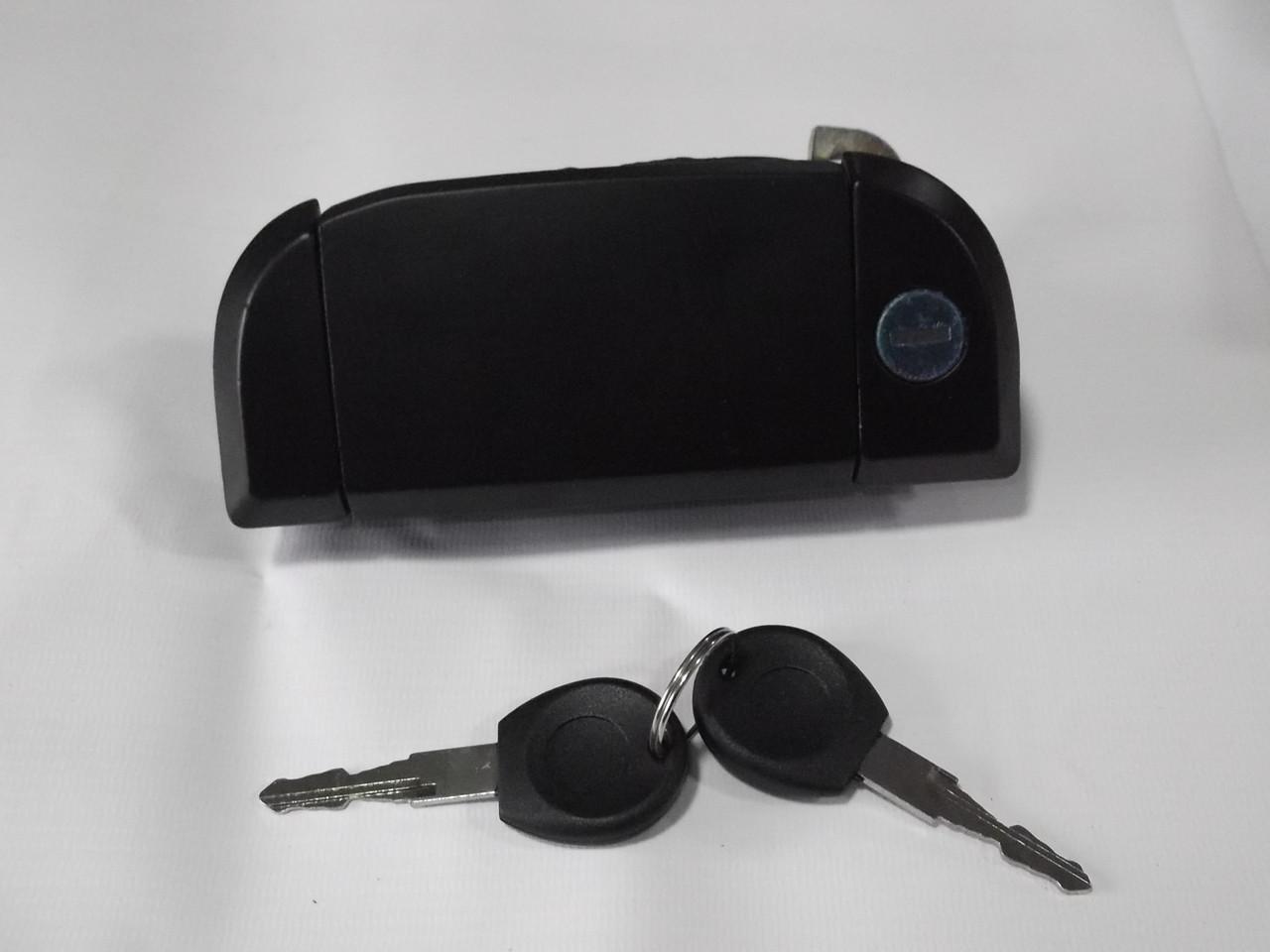 Ручка двери левая наружная Volkswagen Transporter 4