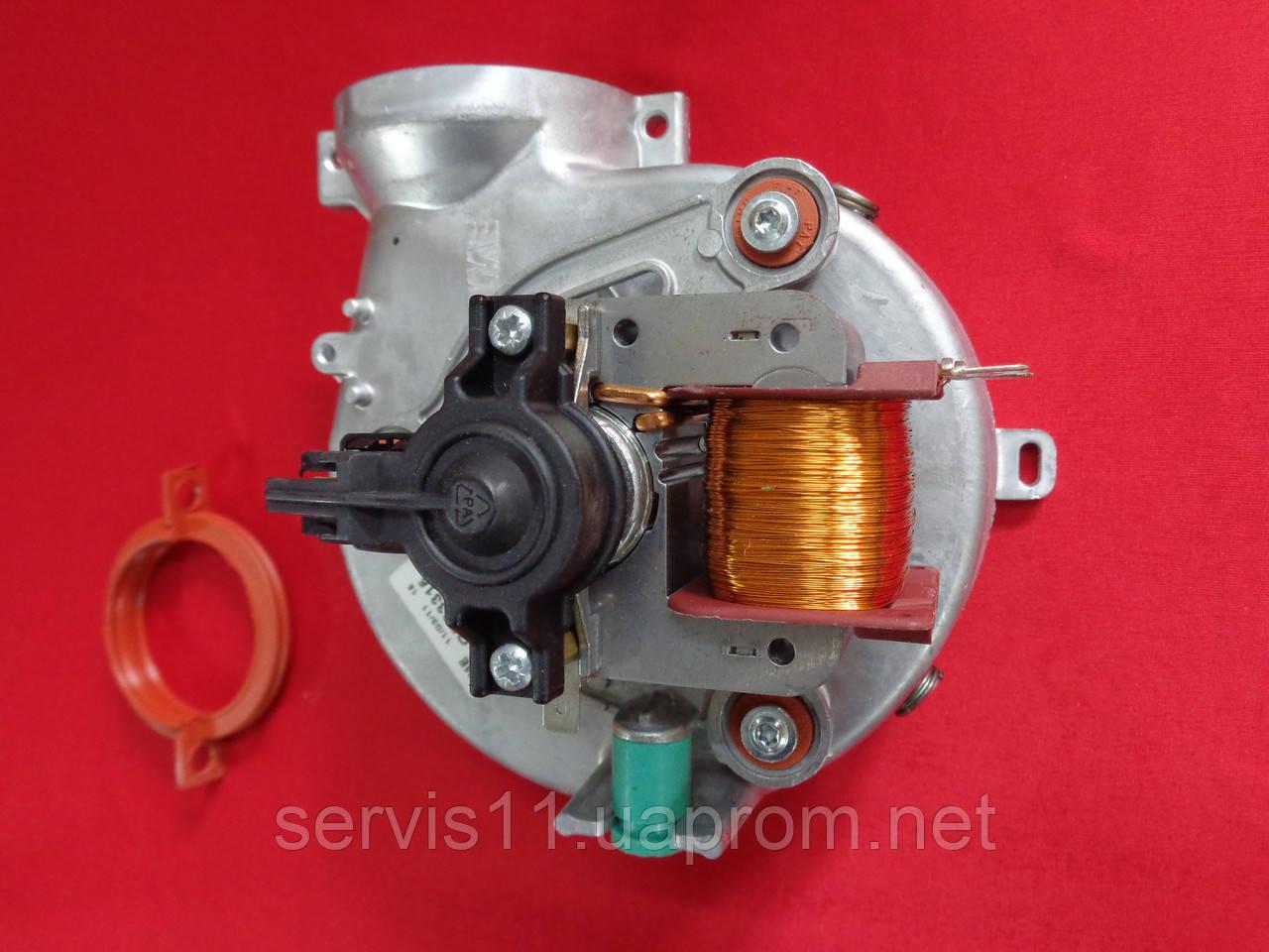 Вентилятор Ariston Genus 24 FF