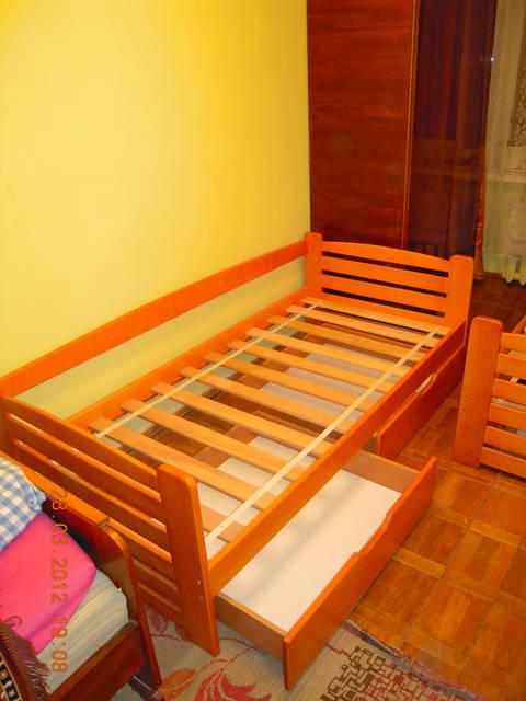 дитяче ліжко з буку