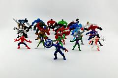 Фигурки героев