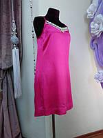 Розовое платье в бельевом стиле с кружевом