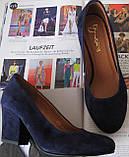 Nona! Женские качественные классические туфли синего цвета взуття на каблуке 7,5 см батал размер 40,41,42,43, фото 3