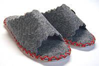 Открытые комнатные тапочки-шлёпанцы из войлока женские с красным шнурком