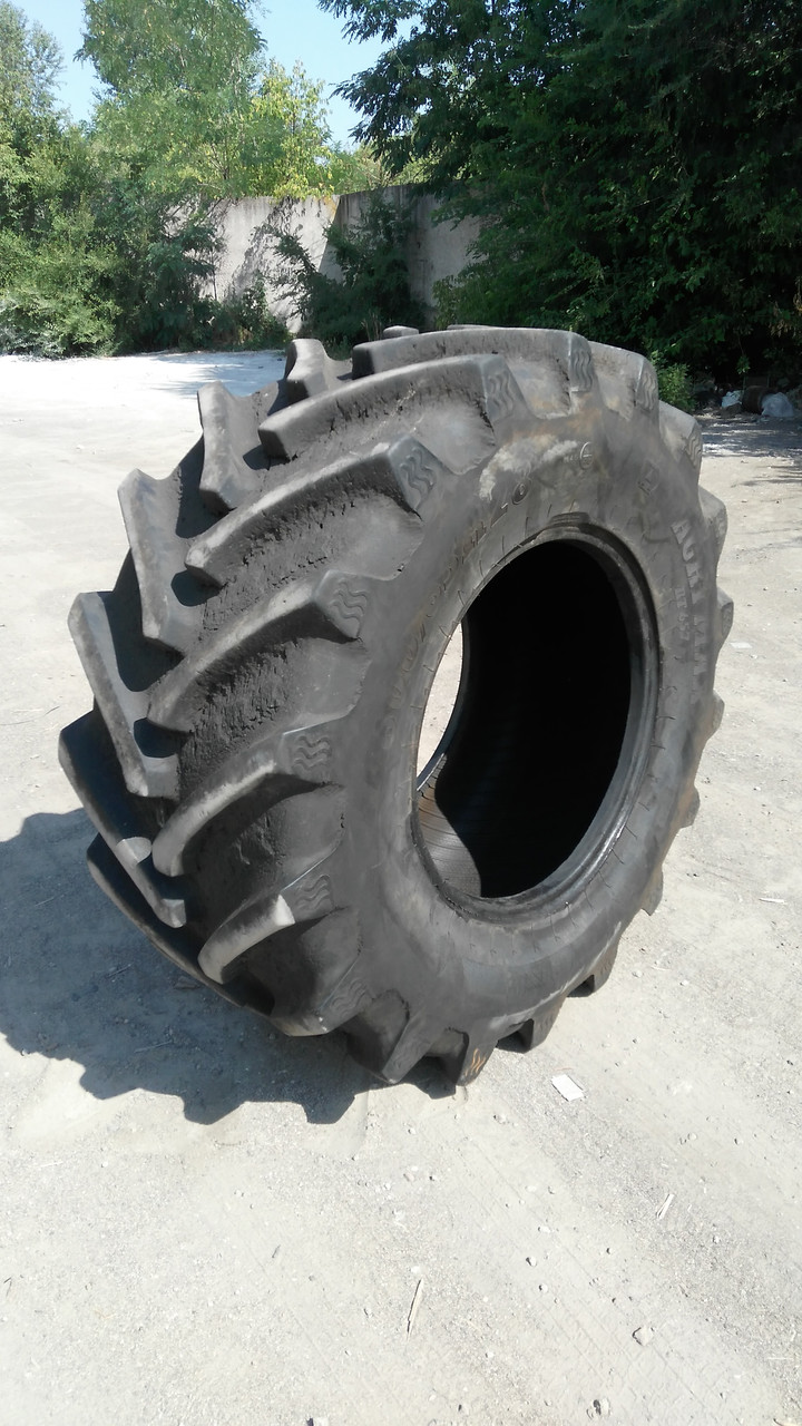 Шины б/у BKT 600/65R28 AgriMax RT657 для трактора JOHN DEERE