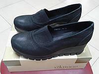 НОВИНКА! Стильные женские туфли из натуральной кожи на танкетке  VIKTTORIO  СВЕМ (293) черные