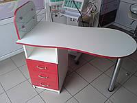 """Маникюрный стол c стеклянными полочками под лак """"Эстет №1"""" белый с красными фасадами"""