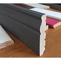 Плинтус серый с текстурированной поверхностью