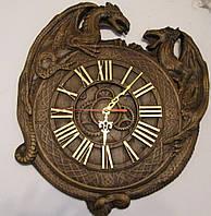 Часы резные с драконами