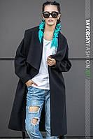 Черное женское пальто с  отложным воротником