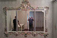 Зеркало в резной раме из натурального дерева (художественная роспись)