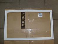 Уплотнитель двери холодильника Indesit C00854012