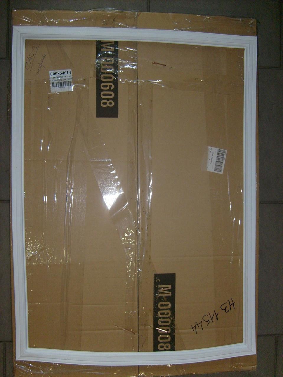Уплотнитель двери м.о. Indesit C00854014