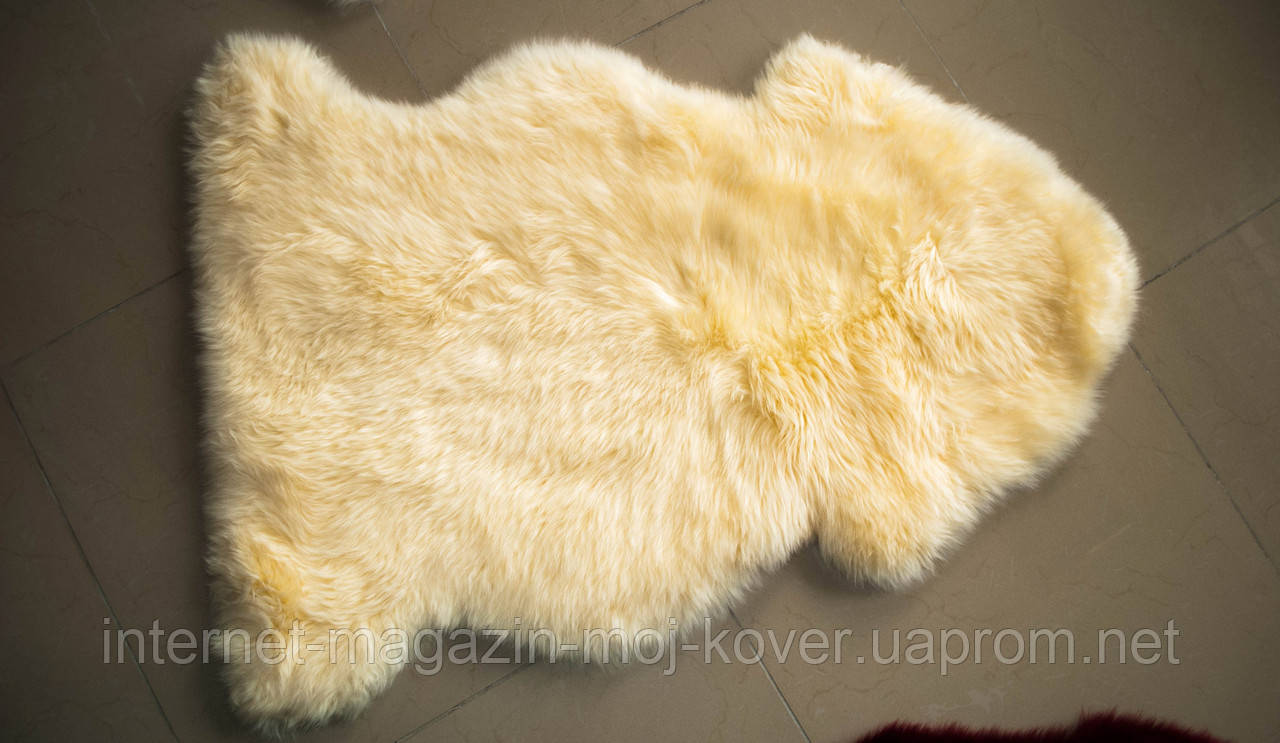 Овчина песочно желтого цвета, из новозеландских шкур