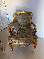 Новое итальянское мягкое кресло в стиле рококо.