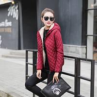 Женская стеганая куртка на меху с капюшоном. Модель 6389.