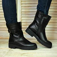 Ботинки женские из натуральной кожи черного цвета на низком ходу