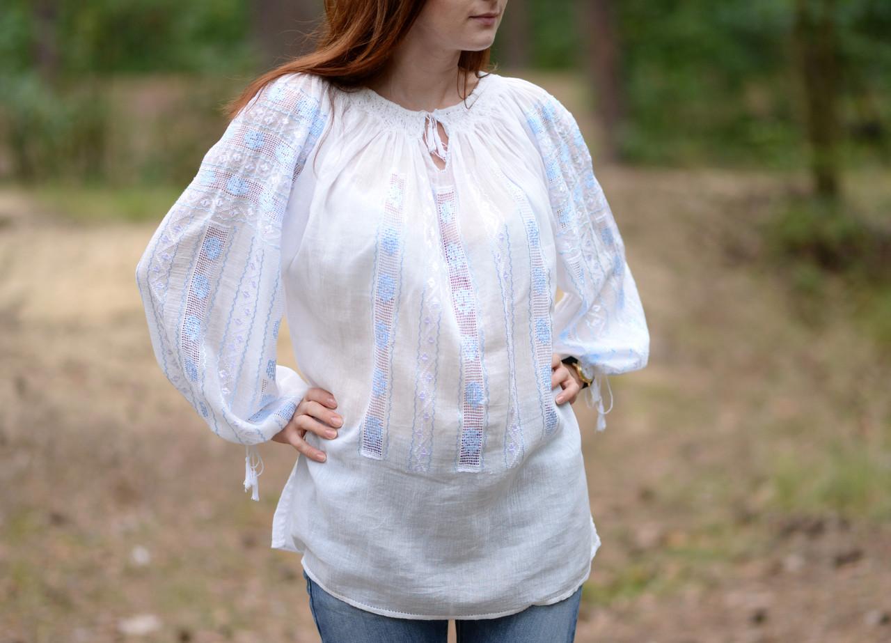 Жіноча вишита сорочка/блузка марльовка з блакитним орнаментом