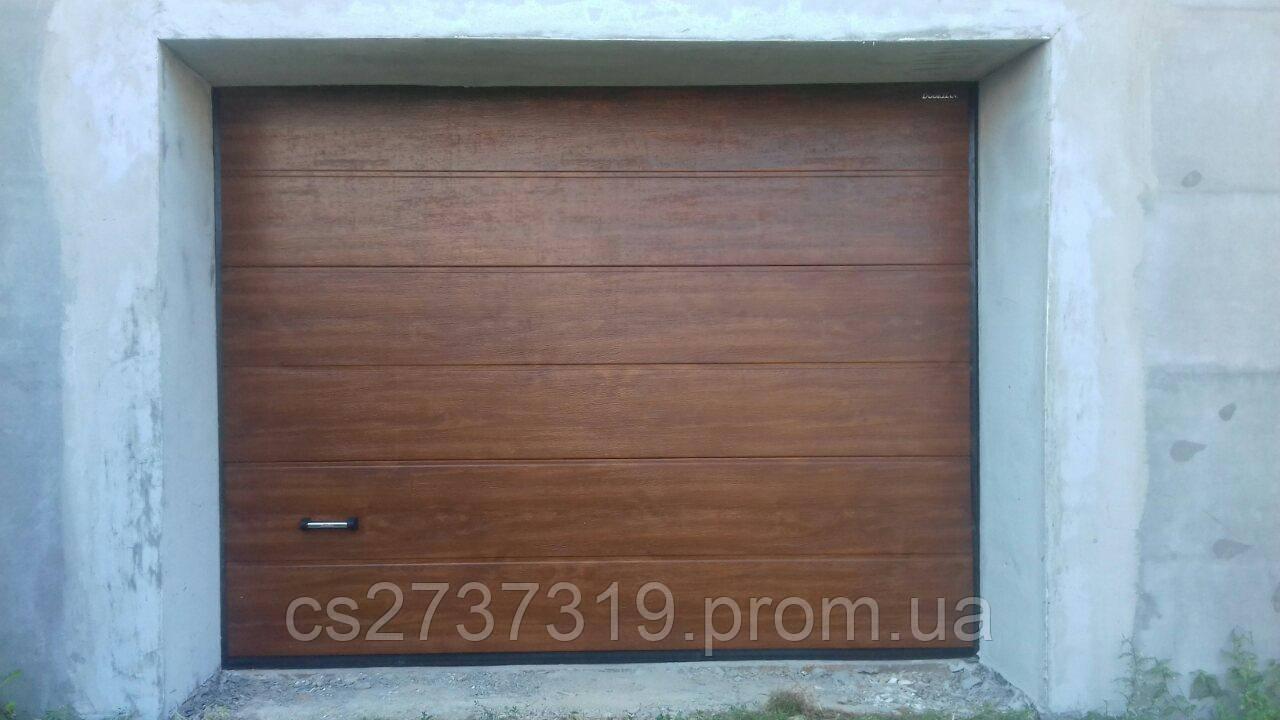 Гаражные секционные ворота автоматические DoorHan 2400*1800