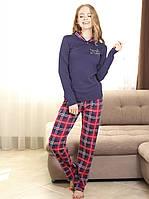 Пижама с брюками в клетку и джемпером