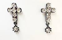Серьги-крестики с камнями в черном и белом металле