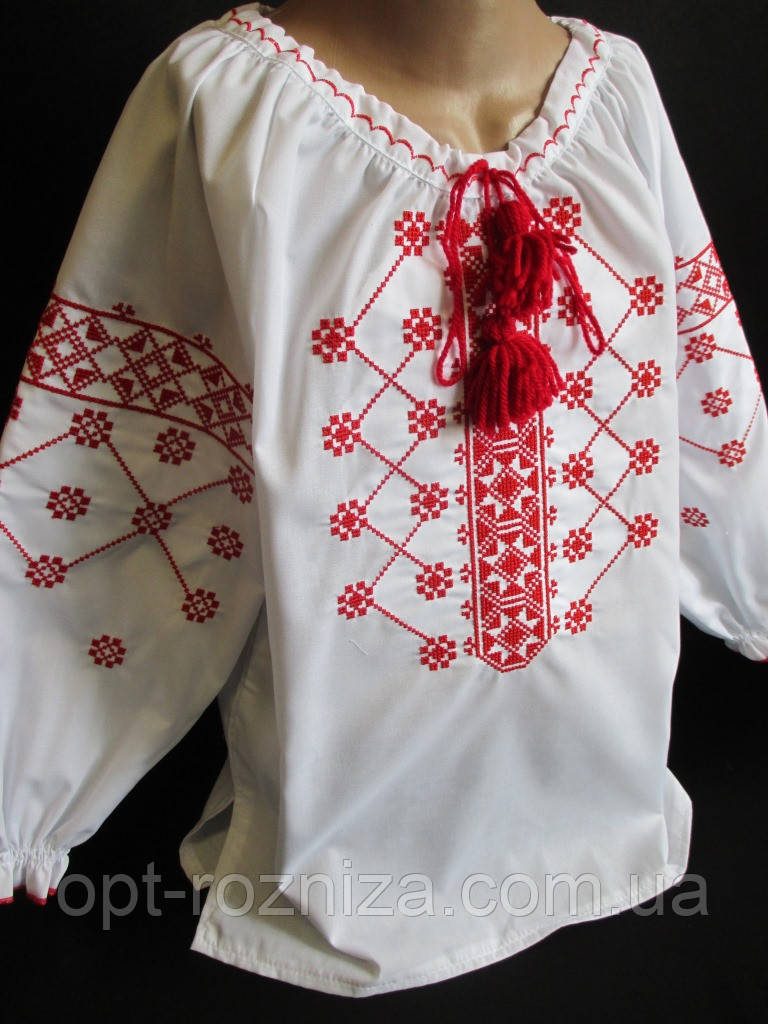 Вышитые сорочки с орнаментом для девочек.