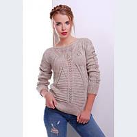 Модный вязаный свитер цвета капучино
