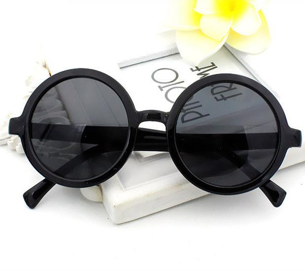 Солнцезащитные очки Round Black