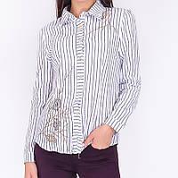 Блуза делового стиля ,декорирована вышивкой