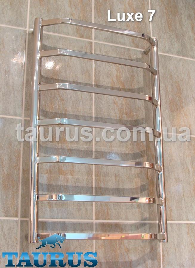 Универсальный полотенцесушитель  Luxe 7 в ванную комнату ширина 400 мм.