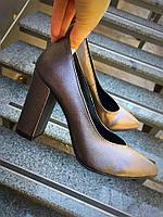Классические туфли на каблучке
