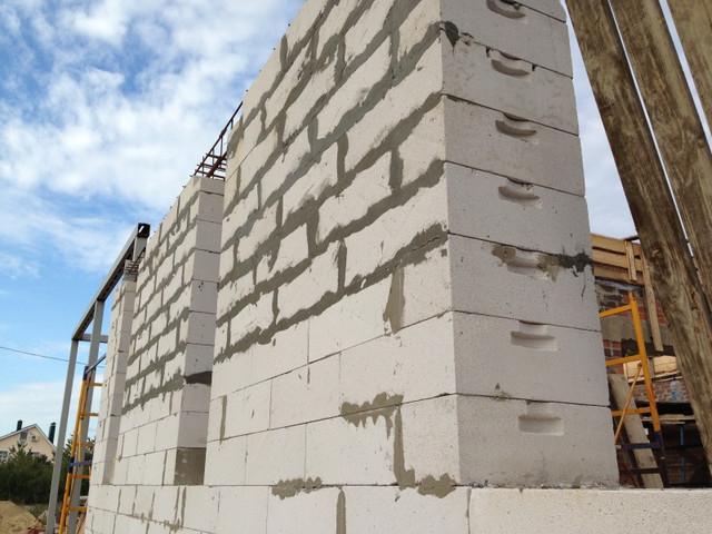 строительство дома из галоблока