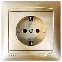 Розетка одинарная с заземлением Сакура Золото LMR1221