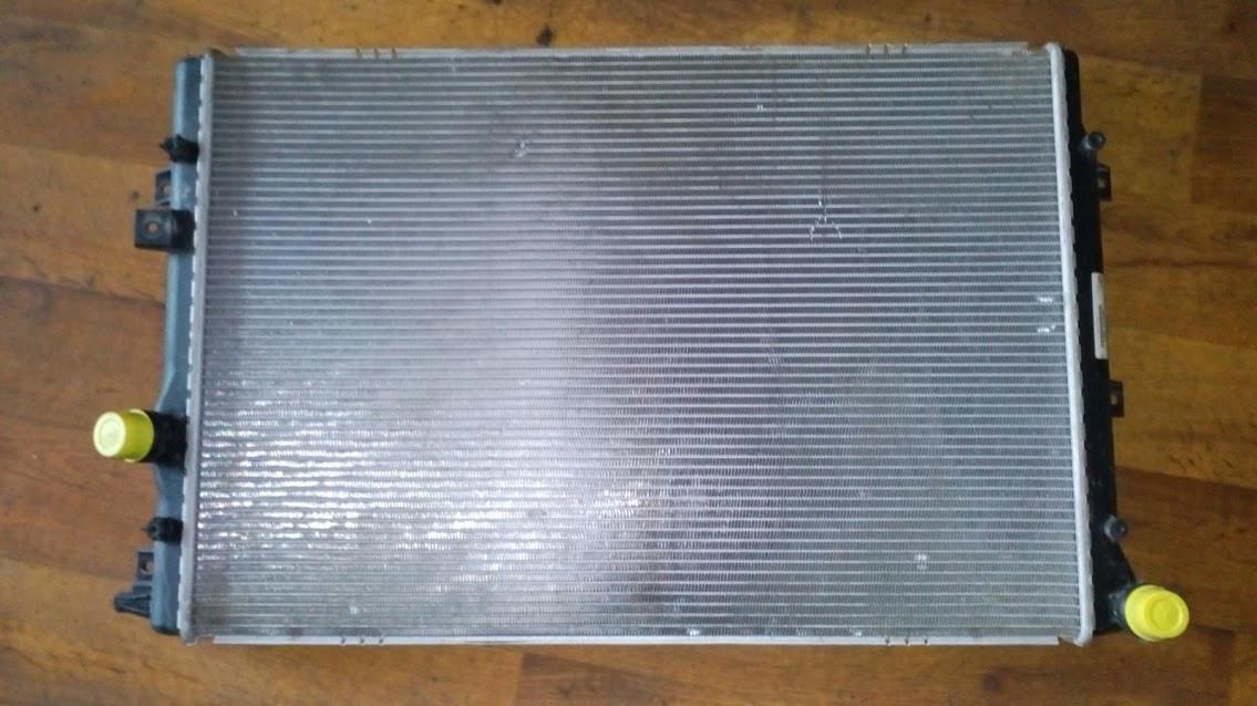 Б/у радиатор5N0121253L для Volkswagen Tiguan SHARAN 2.0