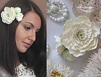 """Заколка с цветами """"Жемчуг"""". Украшение для волос. Подарок девушке.Свадебные украшения"""