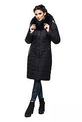 Классическая зимняя куртка  с натуральной опушкой.