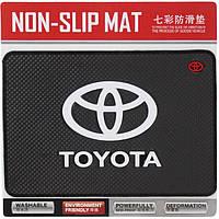 Авто коврик на панель Toyota 135x190mm