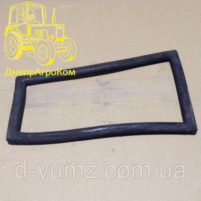 Уплотнитель стекла переднего нижнего ЮМЗ